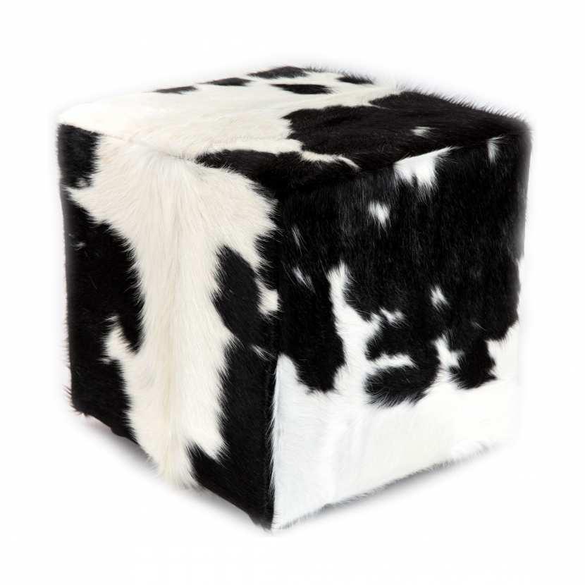 pouf en peau de vache exotique noire et blanche m moire de forme. Black Bedroom Furniture Sets. Home Design Ideas
